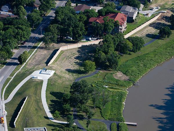 Aerial view of 4th Street South floodwall and earthen levee